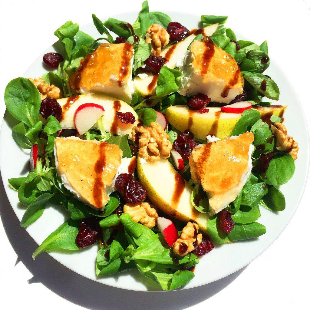 Ziegenkäse-Cranberry Salat mit furore Birnen Senfsauce
